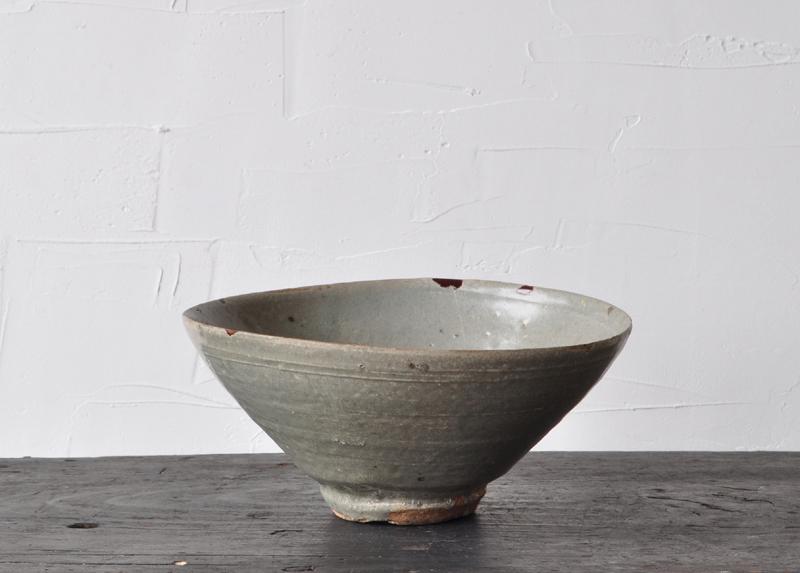 Korean Joseon dynasty folk celadon bowl